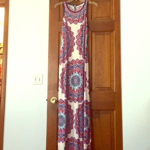 Fitted stretchy maxi dress with paisley print